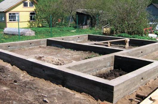 Заливка бетона, фундамента